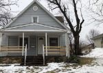 Foreclosed Home in Topeka 66604 SW HILLSDALE ST - Property ID: 4389182407
