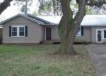 Foreclosed Home in New Iberia 70563 LOREAUVILLE RD - Property ID: 4389199489