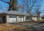 Foreclosed Home in Columbus 47203 HAWTHORNE DR - Property ID: 4390147710