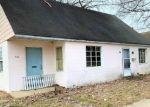 Foreclosed Home in Mount Carmel 62863 N WALNUT ST - Property ID: 4390151197