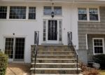 Foreclosed Home in Stamford 06903 BREEZY HILL RD - Property ID: 4393162272