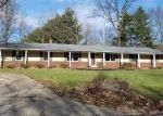 Foreclosed Home in Mount Vernon 62864 WEBSTER HILL EST - Property ID: 4395282960