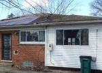 Foreclosed Home in Oak Park 48237 ROSEMARY BLVD - Property ID: 4395354336