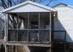 Foreclosed Home in Stratford 06615 WASHINGTON PKWY - Property ID: 4395809390