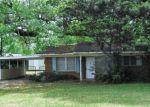 Foreclosed Home in New Iberia 70563 LIVE OAK LN - Property ID: 4396087957