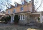 Foreclosed Home in Lansdowne 19050 N LANSDOWNE AVE - Property ID: 4396628851