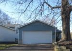 Foreclosed Home in Saint Paul 55109 LARPENTEUR AVE E - Property ID: 4399262827