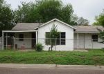 Foreclosed Home in Laredo 78041 FLORES AVE - Property ID: 4400937183