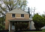 Foreclosed Home in Pittsburgh 15235 MACFARLANE DR - Property ID: 4401497804