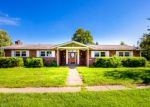 Pre Foreclosure in Louisville 40272 RIVERDALE RD - Property ID: 1058154983