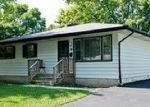 Pre Foreclosure in Aurora 60506 REDWOOD DR - Property ID: 1064203392