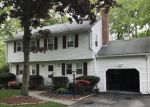 Pre Foreclosure in Milford 01757 DENNIS RD - Property ID: 1165330724