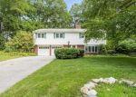 Pre Foreclosure in Stamford 06907 ROBIN HOOD RD - Property ID: 1191608724