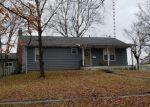 Pre Foreclosure in Hillsboro 62049 N BROAD ST - Property ID: 1192804830