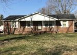 Pre Foreclosure in Mc Minnville 37110 ROBIN HOOD DR - Property ID: 1195410330