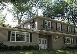 Pre Foreclosure in Lake In The Hills 60156 HIAWATHA DR - Property ID: 1216217599