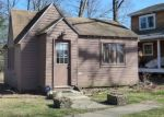 Pre Foreclosure in Dowagiac 49047 VICTORY SHORE DR - Property ID: 1264866431