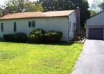 Pre Foreclosure in Bay Shore 11706 PINE DR - Property ID: 1267784208