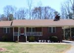 Pre Foreclosure in Warsaw 22572 BEAVER DAM RD - Property ID: 1283068642