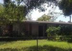 Pre Foreclosure in Tampa 33614 W HENRY AVE - Property ID: 1292956332