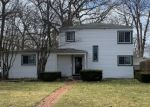 Pre Foreclosure in Toledo 43614 BEVERLY DR - Property ID: 1303176462