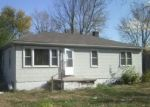 Pre Foreclosure in East Saint Louis 62206 DORIS AVE - Property ID: 958899559