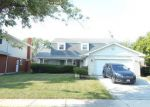 Short Sale in Homewood 60430 CHAYES PARK DR - Property ID: 6269066665