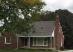 Short Sale in Harper Woods 48225 ROSCOMMON ST - Property ID: 6328761642