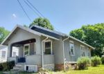 Short Sale in Newton 50208 W 9TH ST S - Property ID: 6329266624