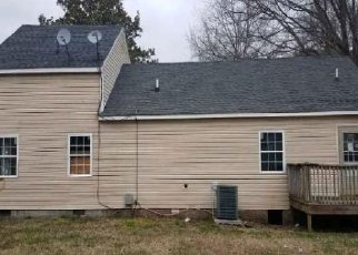 Foreclosure Auction in Petersburg 23805 OAKLAND ST - Property ID: 1722427508