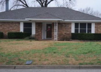 Foreclosure Auction in Hurst 76054 SUMMERDALE DR - Property ID: 1722646496