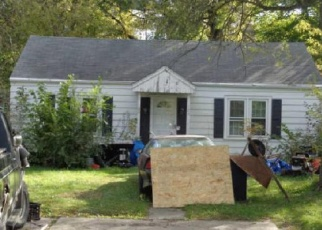 Foreclosure Auction in Wood Dale 60191 E HILLCREST AVE - Property ID: 1723308717