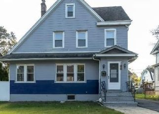 Foreclosure Auction in East Orange 07017 RENSHAW AVE - Property ID: 1724881926