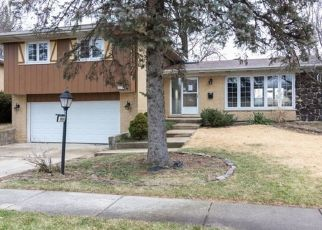 Foreclosure Auction in Oak Forest 60452 WILLOW LN - Property ID: 1724912574