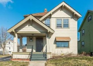 Foreclosure Auction in Cleveland 44118 CEDAR RD - Property ID: 1725405735