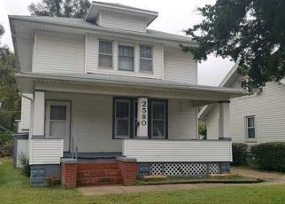 Foreclosed Home in Omaha 68111 CROWN POINT AVE - Property ID: 1053548807