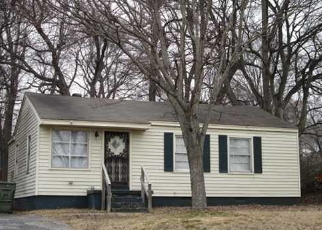Foreclosed Home in Memphis 38127 SLOCUM AVE - Property ID: 1070468165
