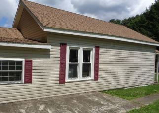 Foreclosed Home in Titusville 16354 DEWEY RD - Property ID: 1096508805