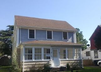 Foreclosed Home in Portsmouth 23702 DECATUR ST - Property ID: 1148169128