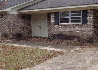 Foreclosed Home in Carrollton 35447 GOLDEN LEAF CIR - Property ID: 1164413600