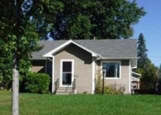 Foreclosed Home in Duluth 55804 COOKE ST - Property ID: 1214116641