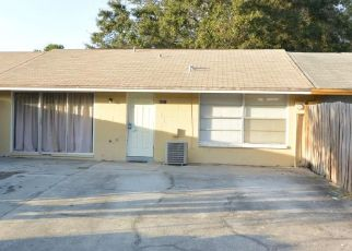 Foreclosed Home in Tampa 33615 BRIAR GATE CT - Property ID: 1221546424