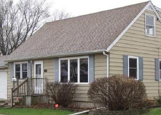 Foreclosed Home in Mason City 50401 S WASHINGTON AVE - Property ID: 1247319443
