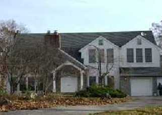 Foreclosed Home in Dix Hills 11746 BURRS LN - Property ID: 1337052881