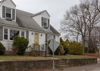 Foreclosed Home in Pawtucket 02860 DORA ST - Property ID: 1361281146