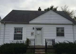 Foreclosed Home in Harper Woods 48225 KINGSVILLE ST - Property ID: 1387811428