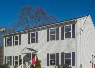 Foreclosed Home in New Bedford 02744 FRIEDA ST - Property ID: 1481664886