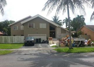 Foreclosed Home in Miami 33186 SW 119TH ST - Property ID: 1524425144