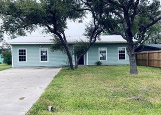 Foreclosed Home in Rockport 78382 MYRTLE LN - Property ID: 1526006233