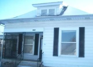 Foreclosed Home in Springfield 65803 W CHASE ST - Property ID: 1569354726